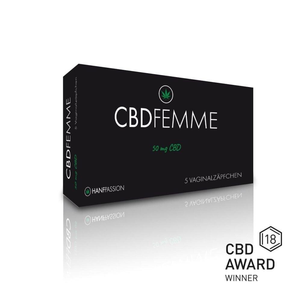"""CBD Femme Vaginalzäpfchen hilft gegen Menstruationsbeschwerden, Regelschmerzen und wird vaginal angewendet. Das Produkt hat das """"CBD Award 2018"""" in der Innovation-Kategorie bekommen."""