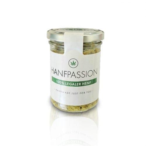 Unser Henf ist ein hervorragender geschmacksanträger. Wir nehmen unsere beste Cannabis-Pflanzen und lassen das mit einer hervorragenden Senf-Sorte mischen. So ergibt sich unser Hanf. Zum Fleich und Fischgerichten ist er hervorragend.